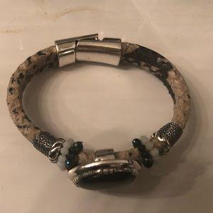 NWOT sliver magnetic  black stone with beading